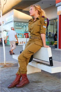 外军版火凤凰 以色列可爱女兵战场杀敌毫不含糊