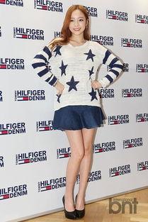 专稿:据韩国《亚洲经济》报道,4日下午,某品牌2015春夏时装展在...