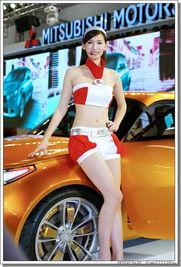 世贸新车展的高挑车模