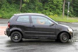 『伪装在老款POLO外壳下的大众Up测试车』-明年量产发布 大众微型...