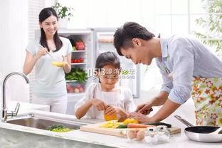 习惯了母亲在满是油烟的厨房内为你做饭得背影,习惯了回到家便有一...