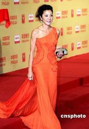 月28日上映的另类武侠电影《剑雨》,是亚洲第一武打女星杨紫琼继十...